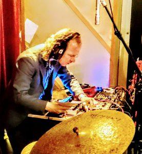 Catharina Boutari, Puder, musician, Singer, guitarist, Hamburg, Rekorder Studio, Session Tapes, Gregor Hennig, Tom Gatza, Max Schneider, recording, live, crowd