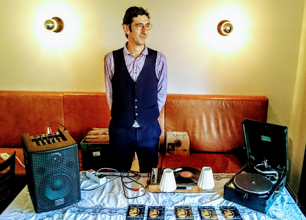Starlight Steven, DJ, Platten, Schellackplatten, Tanztee, Swing, Tango, Fox, Retro, Hamburg, Blankenese, Cafe Roederers