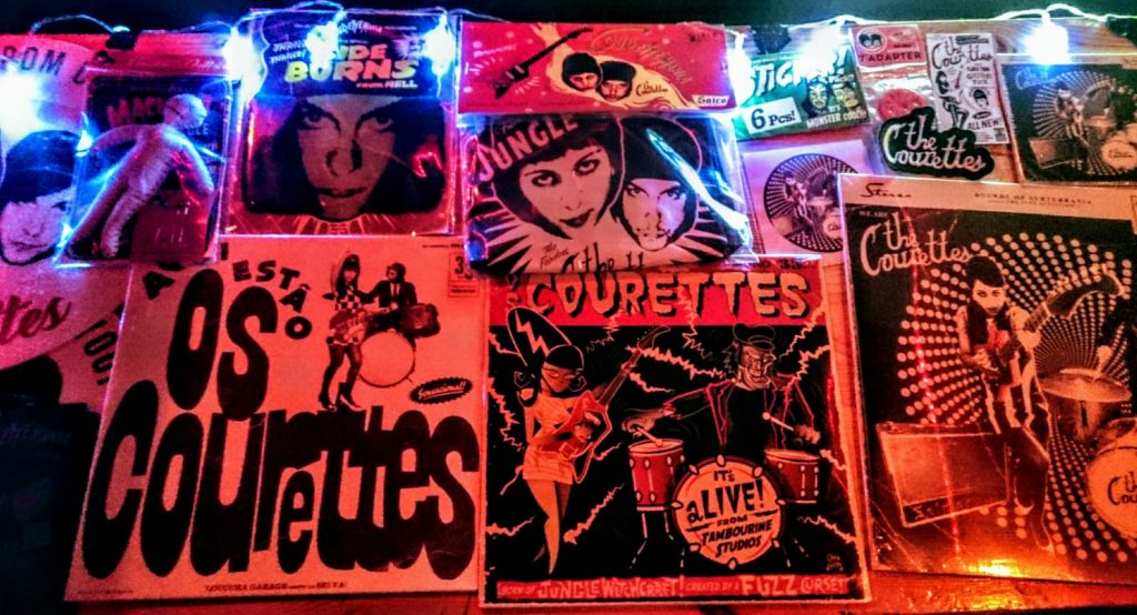 The Courettes, Pooca Bar, St. Pauli, Garage, Sixties, Rock 'n' Roll, concert, live, Club, crowd, merchandise