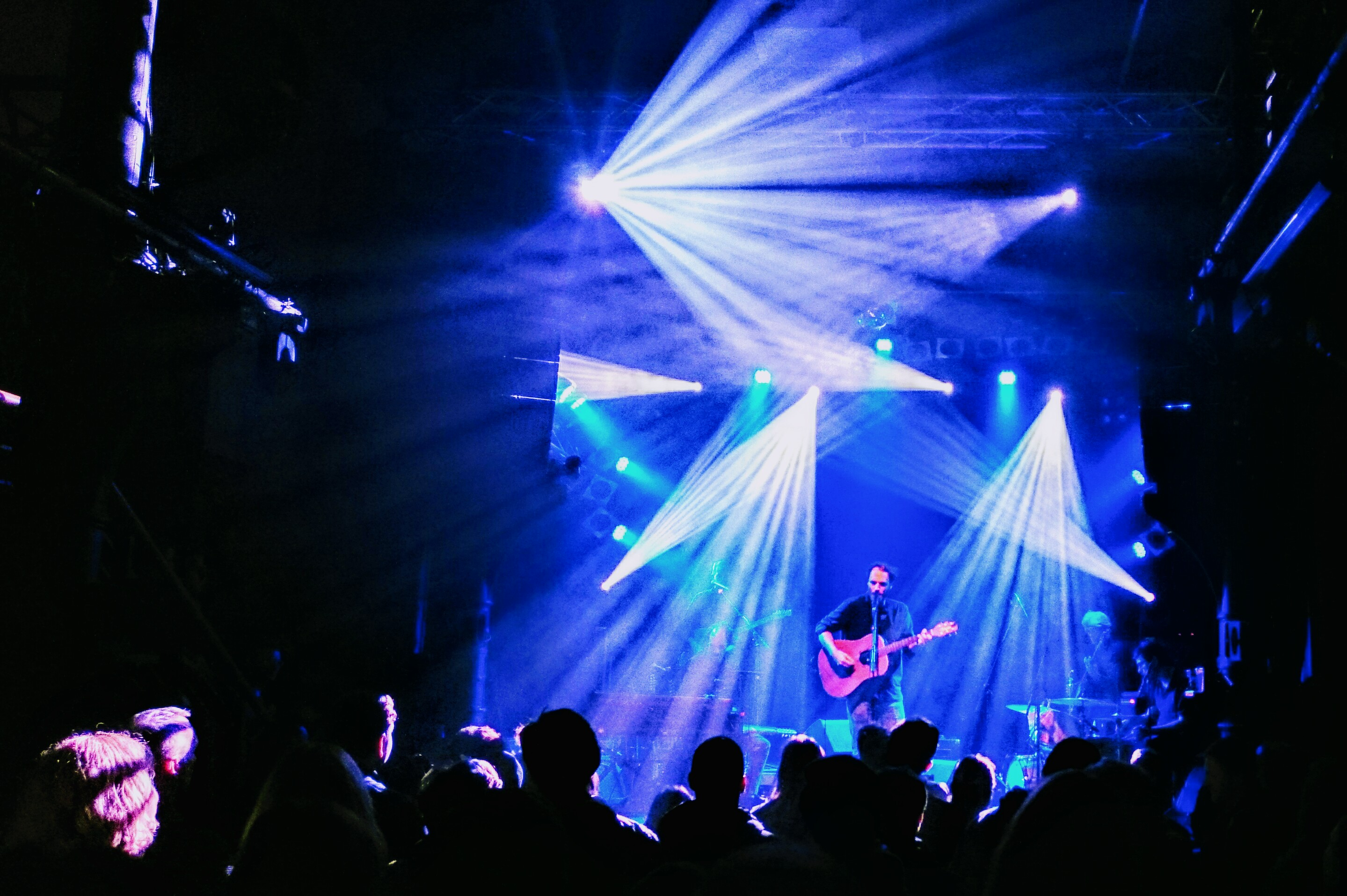Knust, Club, concert, Staring Girl, Ove, Pascal Finkenauer, Indie, Rock, Americana, Singer-Songwriter, stage, lights, merchandise, Biggy Pop