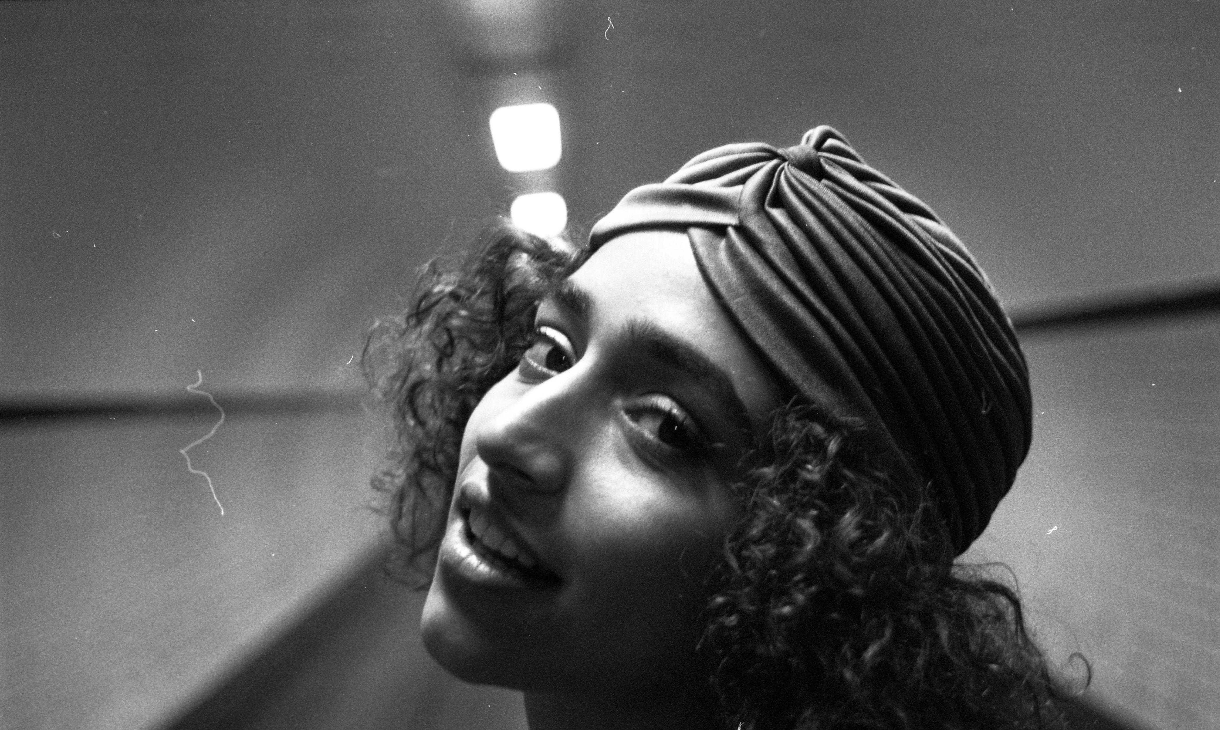 Blu Samu, Rap, Hiphop, singer, rapper, belgian, Portuguese, Brussels, Belgian, musicscene, moka, WBM, female artist, portrait