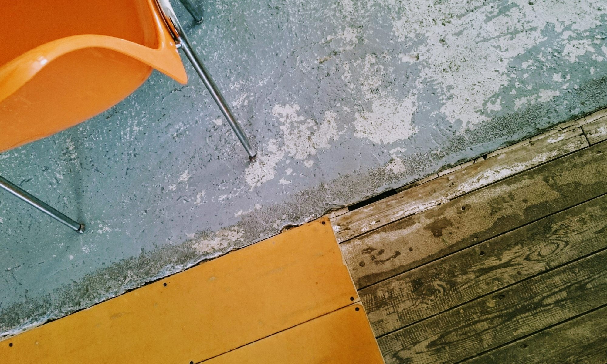Arbeitswohnprojekt, Brussels, Factory, floor, chair, Belgium, Blogger, work, travel, fazit