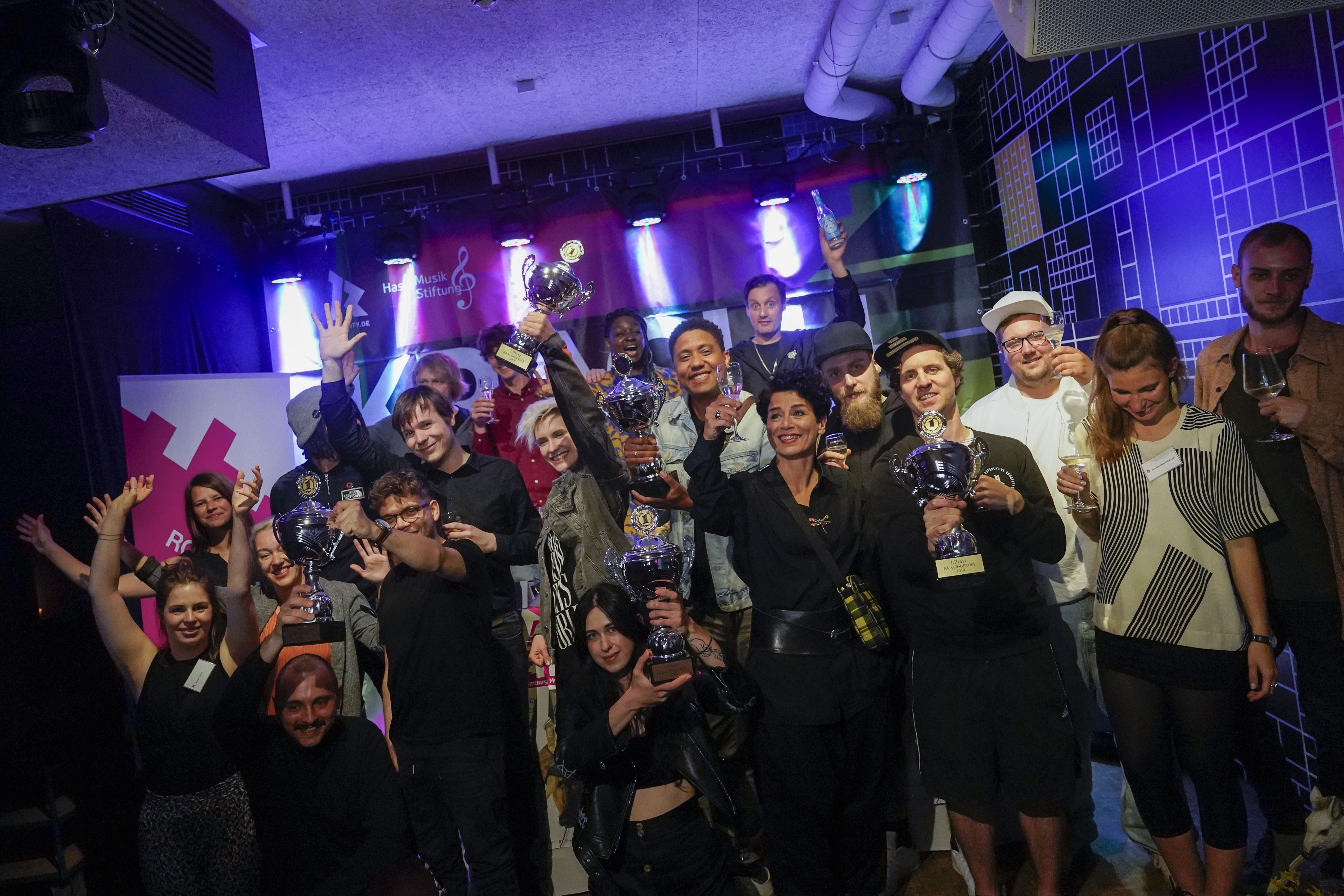 Krach+Getöse, Gewinner, Bands, Musikpreis, pop, award, Häkken, Club, Hamburg, St. Pauli, RockCity, Malonda, Deine Cousine, group, team