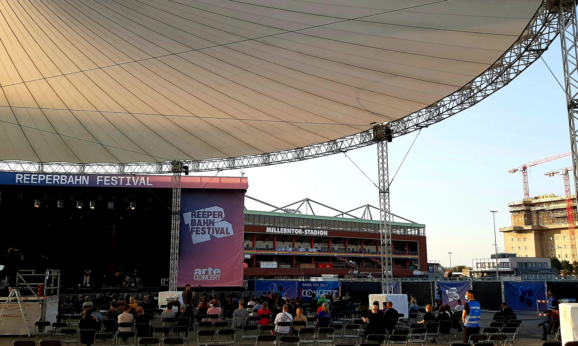 Bühne, Corona, Reeperbahn Festival, Hamburg, Clubs, Konzerte, St. Pauli, Konferenz, Musikbranche, Social Distancing, Check-in